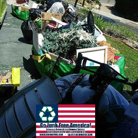 Junk Removal for Los Angeles Property Managers and Landlords
